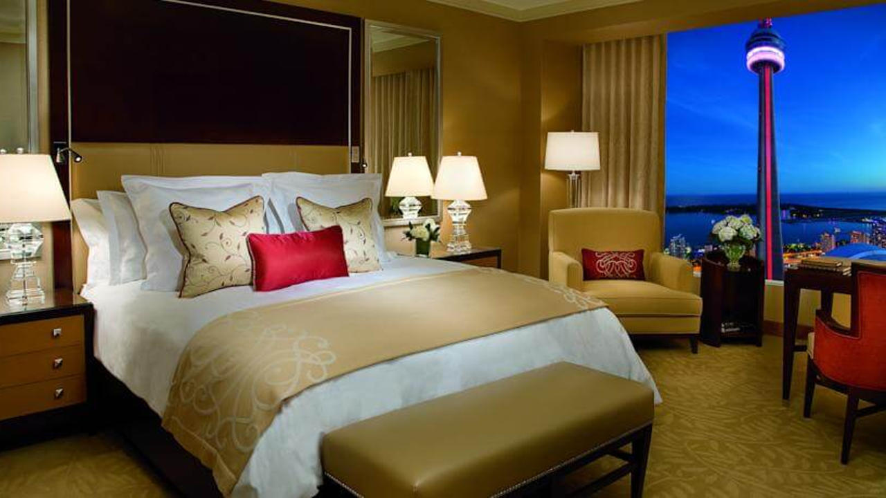 Where To Stay In Toronto Best Areas And Hotels For First Time
